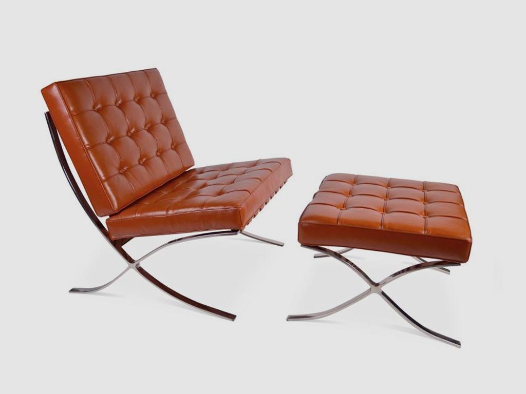Una pieza de historia en el sal n la silla barcelona de for Sillas diseno barcelona