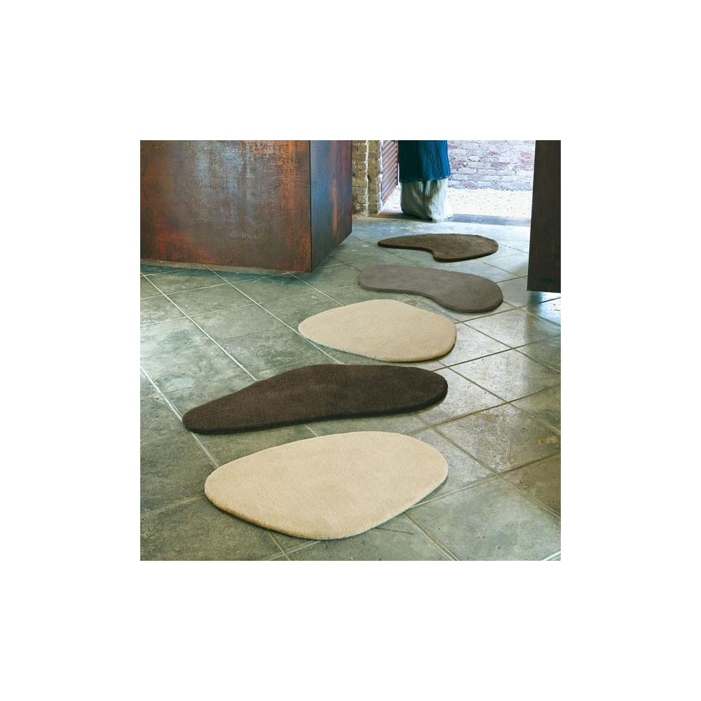 Alfombras little stones de diego fortunato vilanova pe a for Alfombras pena
